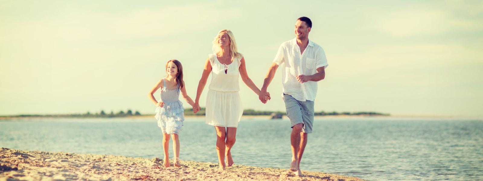 family-beach-e1423452344142